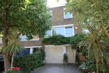 4 bed Terraced house in Kingslawn Close, London