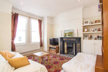 3 bed Flat for sale in Haldon Road, Putney