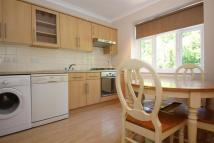 3 bedroom Flat to rent in Stroud Crescent...