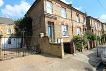 Flat to rent in Stanbridge Road, Putney