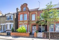 2 bed Flat in Santos Road...