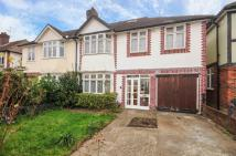 5 bed semi detached house in Valonia Gardens