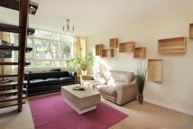 2 bedroom Flat in Kersfield Road, London