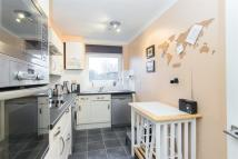 Town House to rent in Upper Richmond Road...