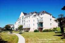 1 bed Ground Flat for sale in Cliff Road, Falmouth...