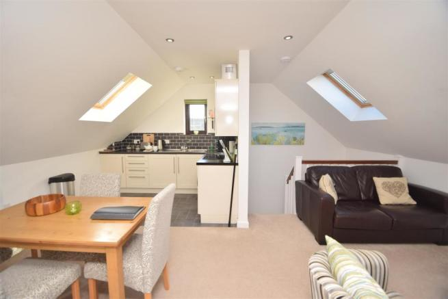 OPEN-PLAN LIVING AREA AND KITCHEN
