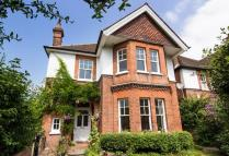 5 bedroom Detached property to rent in Effingham Road...