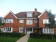 2 bed Flat to rent in Ottways Lane, Ashtead