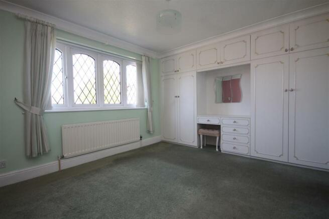 Master Bedroom (fron