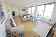 2 bedroom Flat in Wards Wharf Approach...
