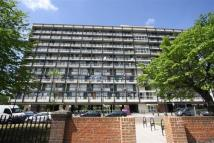 2 bed Flat in Rosefield Gardens...