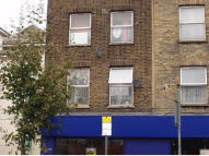 Flat to rent in 229A Lower Road, London...