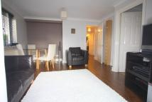 Flat to rent in Manchester Road, London...