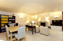 2 bed Flat to rent in Cleveland Square
