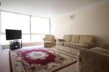 Flat to rent in Quadrangle Tower...