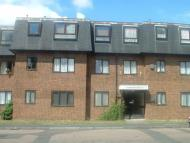 Flat to rent in Alexandra Road, Camberley