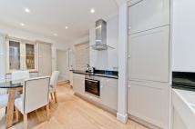 Flat in Chilton Road, Kew...
