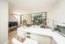 Ground Flat to rent in Beechwood Avenue, Kew...