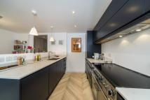 3 bed Town House to rent in The Avenue , Kew...