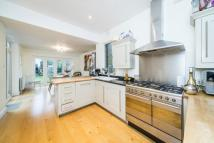 4 bedroom Detached house in Ennerdale Road, Kew...