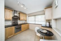 Flat to rent in Hatherley Road, Kew, TW9
