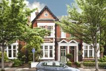 5 bed semi detached home to rent in Priory Road, Kew...