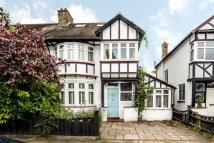5 bed semi detached house in Castlegate, Richmond, TW9