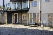 2 bedroom Ground Maisonette in Briggate, Knaresborough...