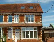3 bedroom Flat in Royal George Road...