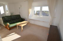 Flat to rent in Carrick Point...