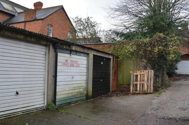Garage to rent in allandale road leicester le2 2da le2 commercial let agreed sciox Image collections