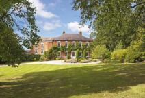 6 bedroom Detached property for sale in Loynton, Stafford...
