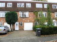 4 bedroom Terraced house to rent in Bourne End