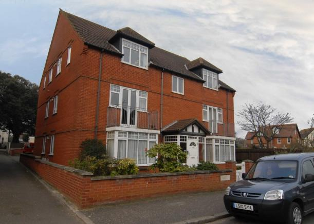 2 bedroom apartment for sale in augusta street sheringham for 2 bedroom apartments in norfolk