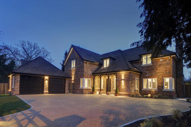 5 bedroom detached house for sale in london road radlett wd7 for Homes to build on acreage