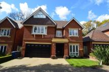 Detached home in Chenies Place, Arkley