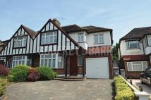4 bedroom semi detached house to rent in Green Lane, Edgware