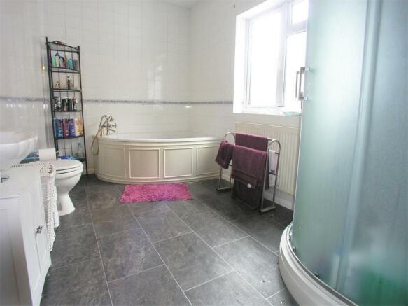 Family Bathroom + Shower