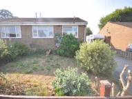 2 bedroom Semi-Detached Bungalow in Foxcroft Drive, Rastrick...