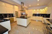 5 bedroom property for sale in Woodside Avenue...