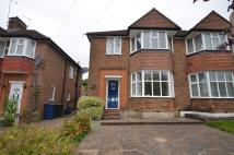 semi detached home to rent in LINKSIDE, London, N12