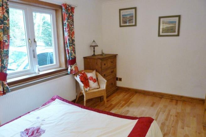 Bedroom 2 (2)