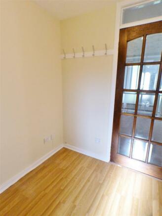 Rear Hallway (2)