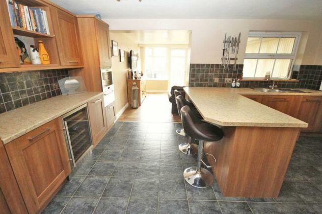 Kitchen lounge...