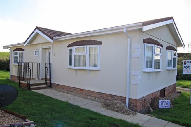 2 bedroom mobile home for sale in superb park homes in swanage bh19. Black Bedroom Furniture Sets. Home Design Ideas