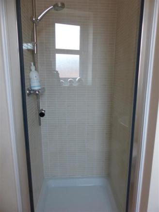 ENSUITE SHOWER.JPG