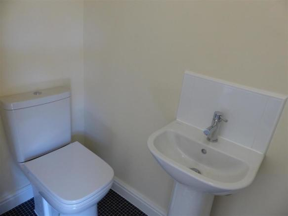 ENSUITE TO 2ND BEDRO
