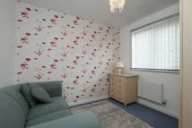 Link Detached House to rent in Paddock Drive...