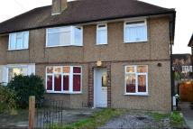 Ground Flat to rent in Hillingdon