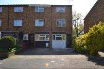 Town House to rent in St Clements Close...